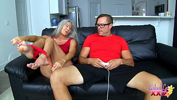 Streaming Video Seducing Her Nerd TRAILER - XLXX.video