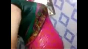 Bollywood wet boobs Indian aunty showing wet boobs on saree