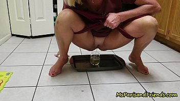 Daushunds and excitable peeing - Mommy loves for you to watch her pee