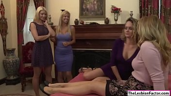 2 blonde babes rubbing each others clit