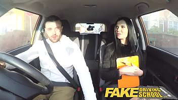 Fake Driving School Jasmine Jae fully naked sex in a car Vorschaubild