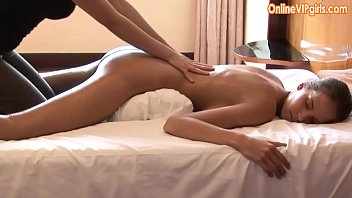 Innocent big ass brunette gets a fisting happy ending massage [마사지 massage]