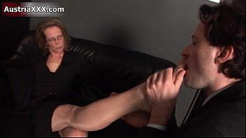 Mature pantyhose suck toes - Nasty mature slut gets her feet sucked