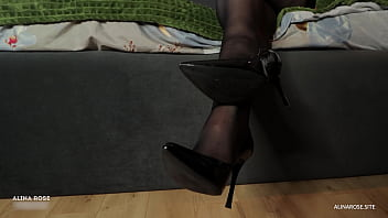 Fucked a big ass girlfriend in pantyhose and cum on her legs – foot fetish