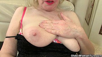 British granny Zadi fucks herself