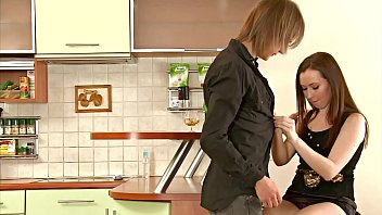 Russian teen gets banged by her boyfriend in the kitchen