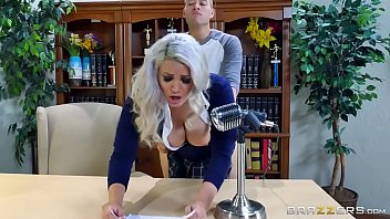 Brazzers - (Alix Lovell) - Big Tits At School 7分钟