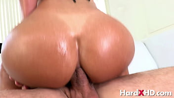 Super anal booty Liv Revamped