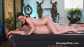 Masseuse blows bosses cock after bad reviews