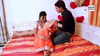 Hot bhabhi cleavage show on first night - NEW VIDEO!!