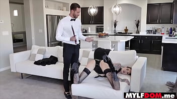 Anonymous dominant demands leads to BDSM
