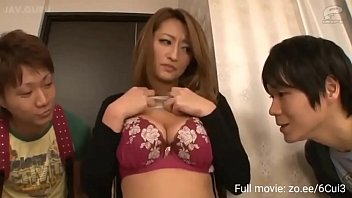 Milf step aunty with big ass fucks nephew he accidentally cums in her 5分钟