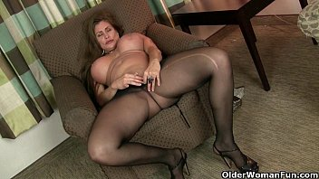 American made pantyhose - American milfs sheila and lacy get turned on by pantyhose
