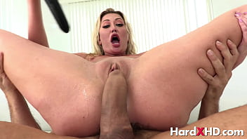Squirting Adira Allure Double Penetrated