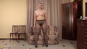 Mature hairy pantyhose - Russian mommy