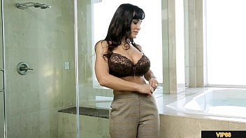 LISA ANN IN LESBIAN SCENE WITH KEISHA GREY