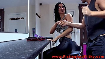 Fisting Jasmine Jae in this german movie