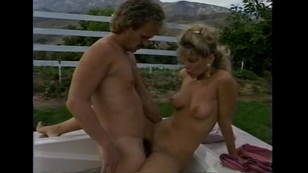 Angela Summers - Sex in the hot tub