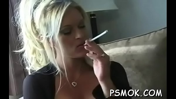 Babe smoking while playing Thumb