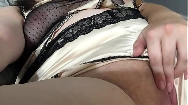 Lonely Horny Housewife plays with herself