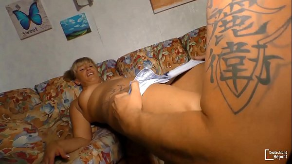 HAUSFRAU FICKEN - Amateur German granny gets banged and cummed on in hot sex session