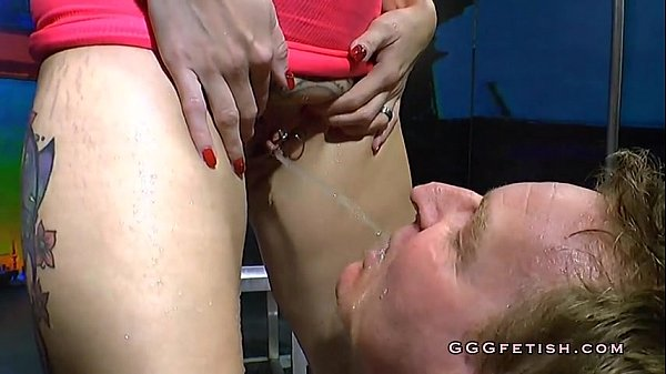 Pussy Licked Pissing