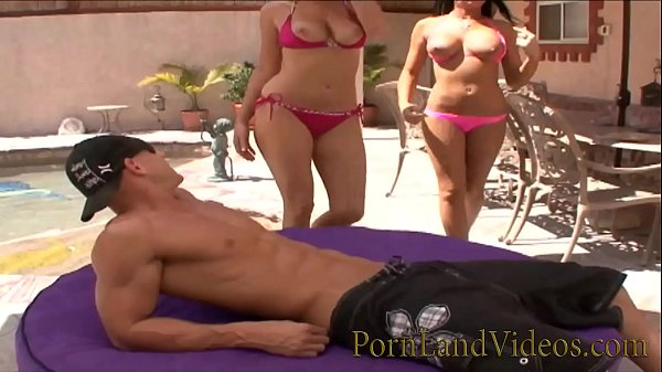 pool threesome with 2 horny big tits blondes Thumb