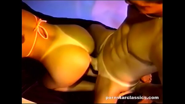 Hot Retro Babe Shoves Everything in Her Juicy Pussy