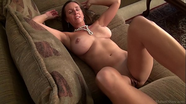 Image Amazing mature mom Julie with big boobs (FullHD)