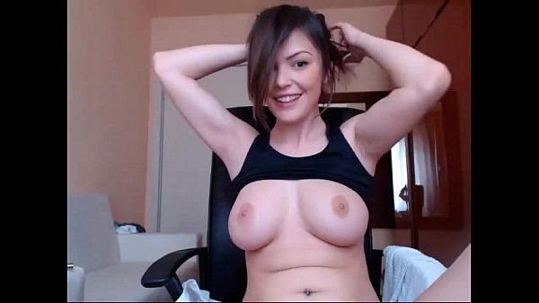 Busty Babe toying - Penisillo Cam Whores Thumb