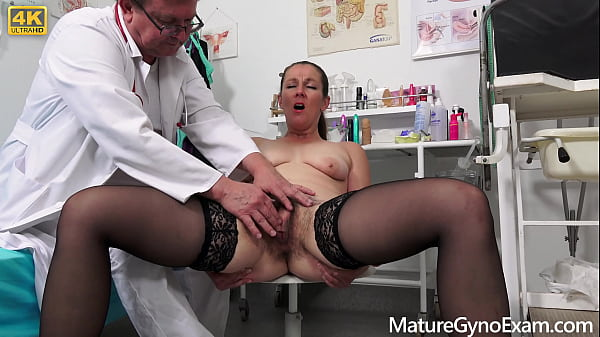 Old pussy exam of hairy MILF Valentina Ross by freaky doctor