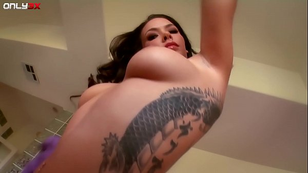 Fabulous babe Sophia Santi dripping wet masturbation