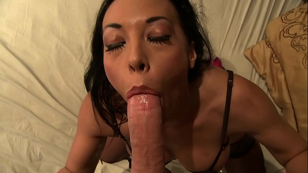 Squirt queen Rio Lee doing deep blowjob and fucks like wild cat
