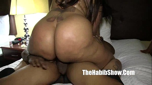 phat booty chiraq snicka getting fucked down so...