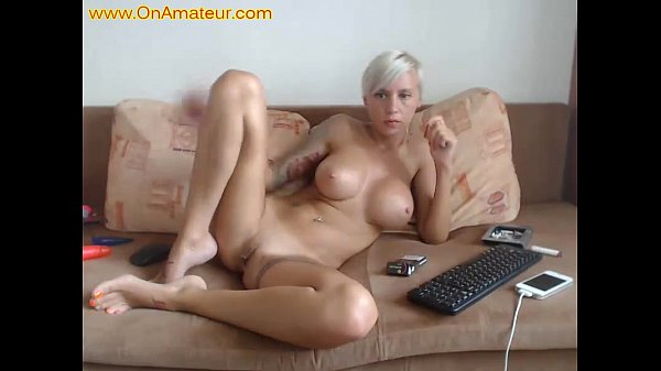 Big boobs short haired blonde masturbates Thumb