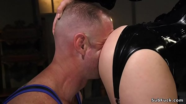 Rubber mistress with strap on bangs guy