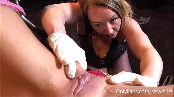 Mommy Destroys The Hole with Bosshog ** 650 Fu...