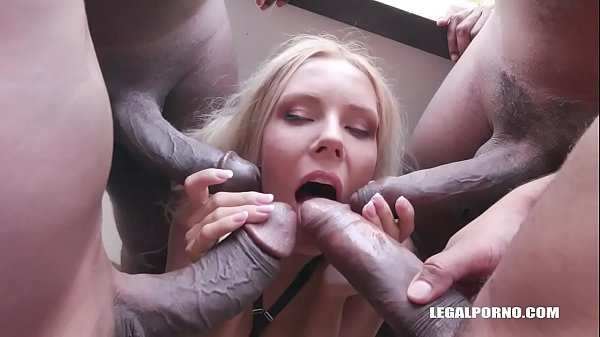 Florane Russell discovers black feeling and two cocks in the ass