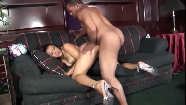 Young ebony moans whith pleasure while getting her twat drilled