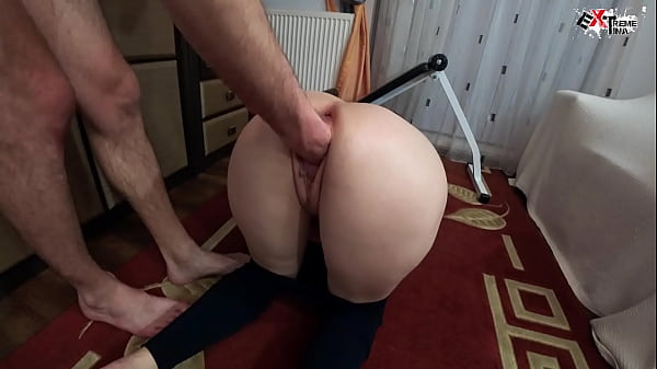 Big Booty Girl Loves Deep Fisting and Sex Toys after Training