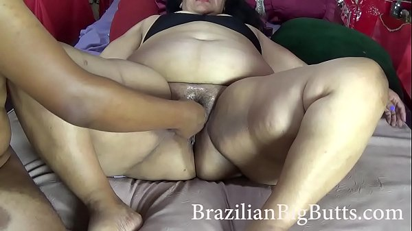BrazilianBigButts.com SSBBW MadamButt Huge ass trying a fist fucking Thumb