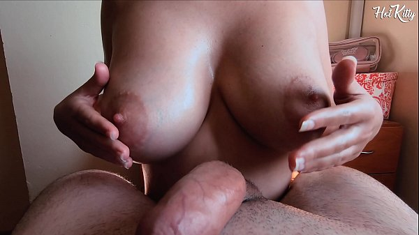 AMATEUR TITJOB/ TITFUCK WITH BIG NATURAL TITS TEEN AND GETS A GREAT CUM BRODER
