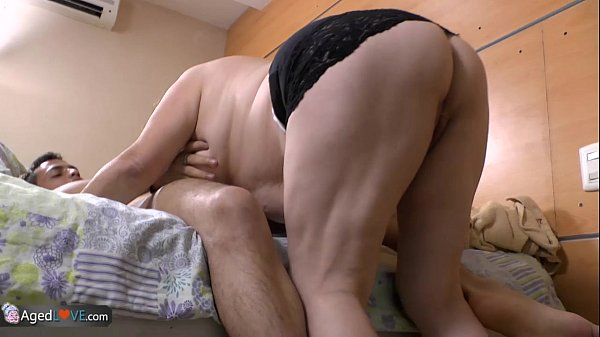 Muscle lady fucking black cock