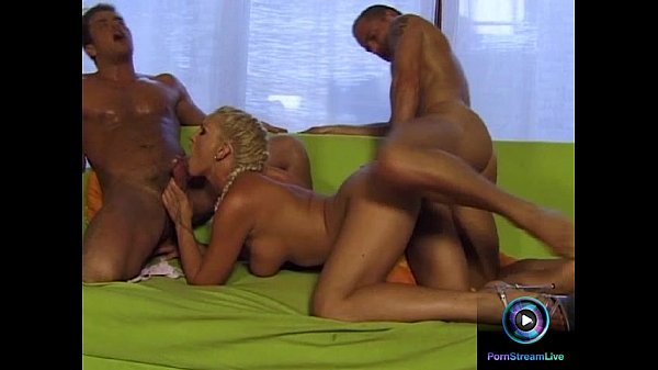 Foxy Wild Angel dp fucked after playing with dildo