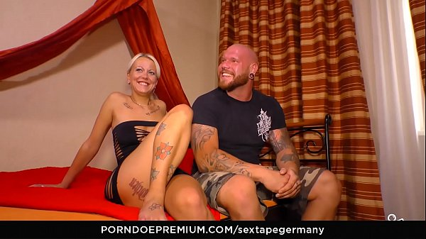 SEXTAPE GERMANY - Tattooed amateur German couple bangs in amateur sex tape Thumb