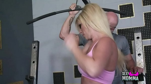 Milf amateur Stepmom cant wait to take fat pole in mouth till facial