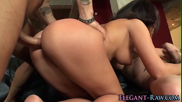 Glam ho gets double anal