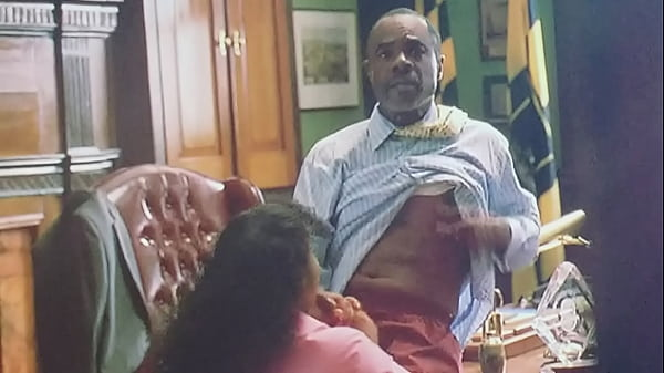 Mayor Royce getting his dick sucked (The wire)