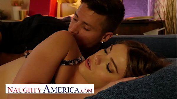 Naughty America - Leah Lee likes to fuck in the morning