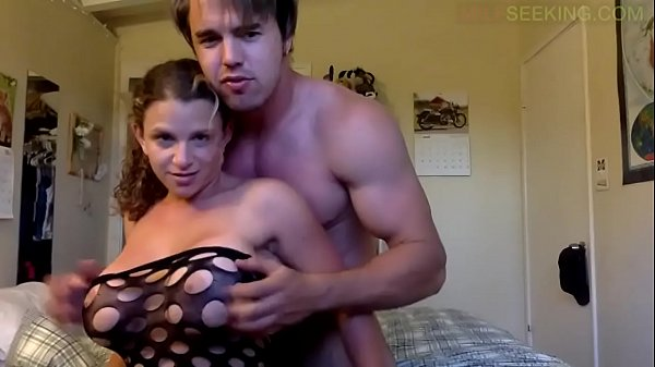 Big tits College girl gets fucked with tattooed guy in Family vacation Thumb